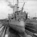 "Фото 3. Учебное судно ""Двина"" в доке Кронштадта."