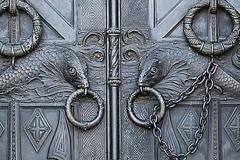 20_Двери собора.