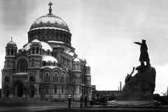 10_Кронштадтский морской собор и памятник адмиралу Макарову.