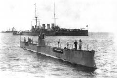 """14) Подводная лодка """"Акула"""" и броненосный крейсер """"Рюрик"""", 1913 год"""